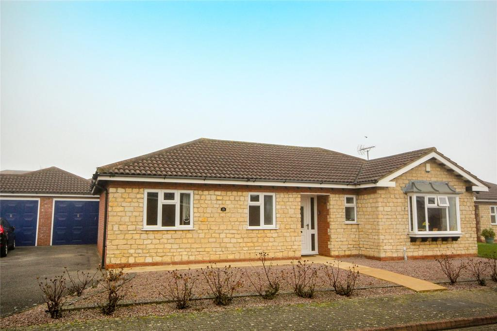 3 Bedrooms Detached Bungalow for sale in Walnutgarth, Sleaford, NG34