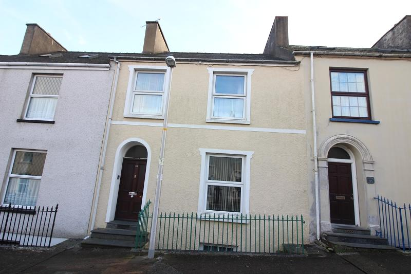 3 Bedrooms Terraced House for sale in Laws Street, Pembroke Dock, Pembrokeshire. SA72 6DQ