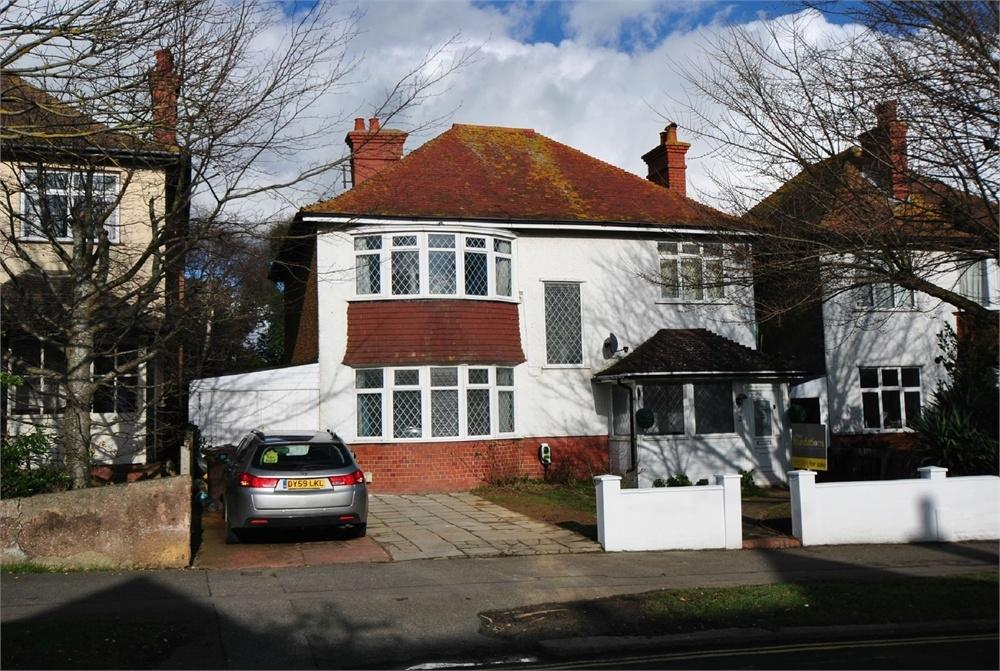 4 Bedrooms Detached House for sale in Collington Avenue, BEXHILL-ON-SEA, East Sussex