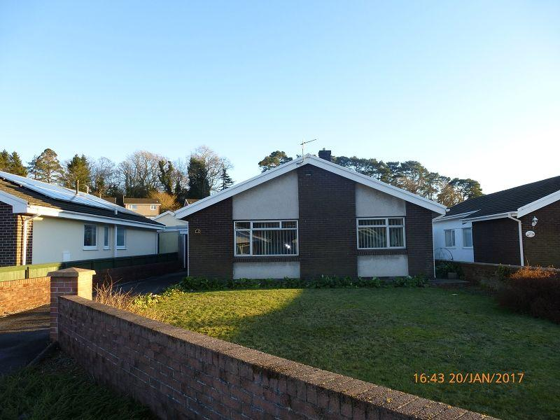 3 Bedrooms Bungalow for sale in Laurel Drive, Ammanford, Carmarthenshire.