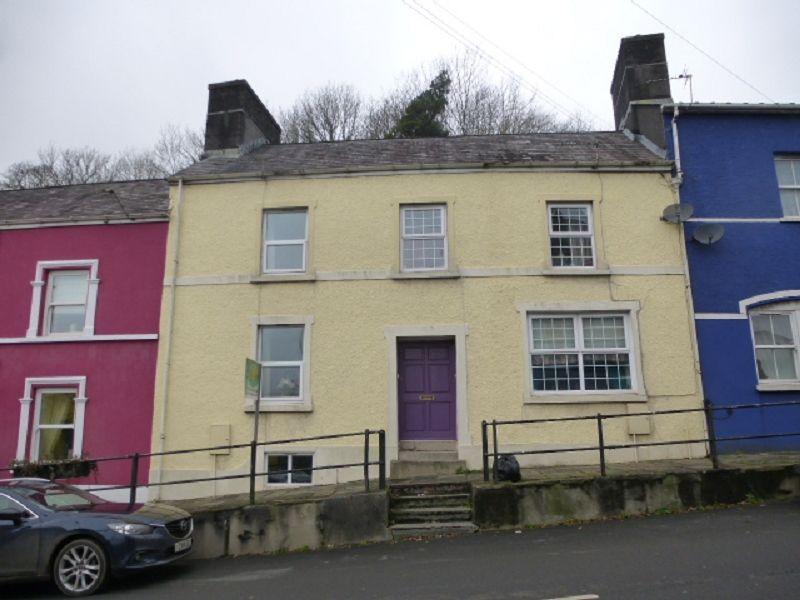2 Bedrooms Terraced House for sale in Bridge Street, Llandeilo, Carmarthenshire.