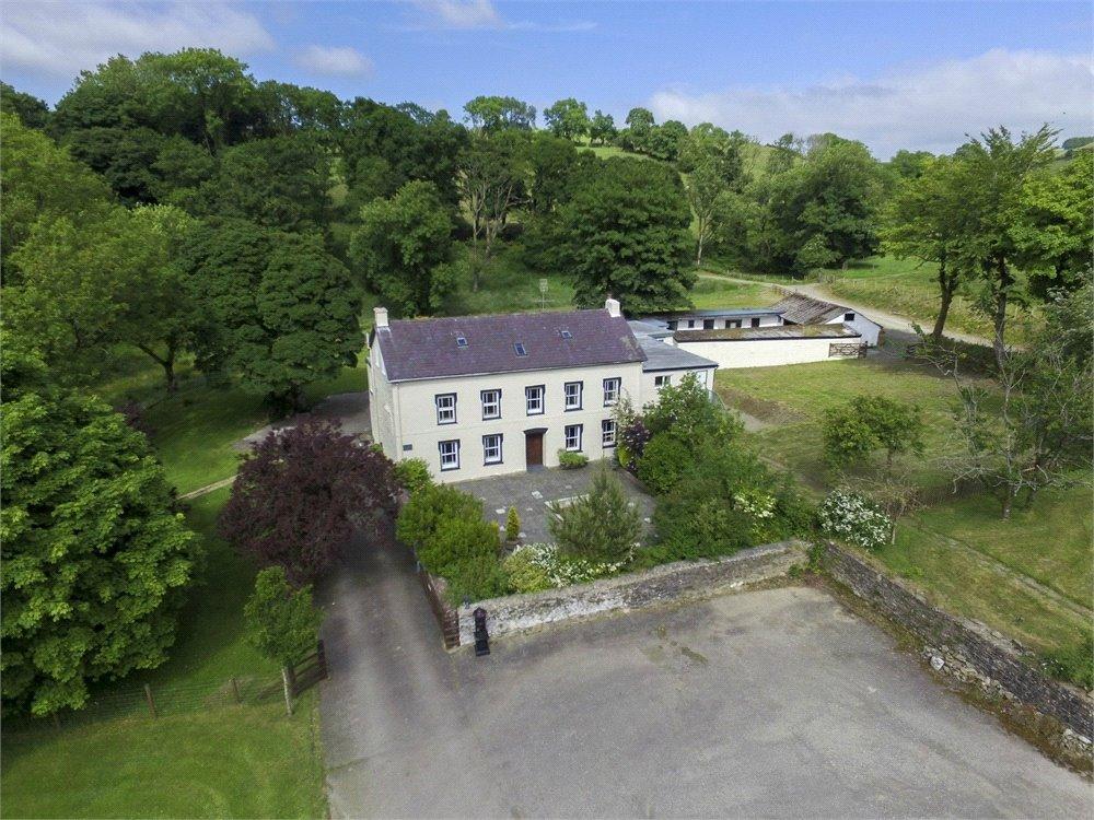 8 Bedrooms Detached House for sale in Pontsian, Llandysul