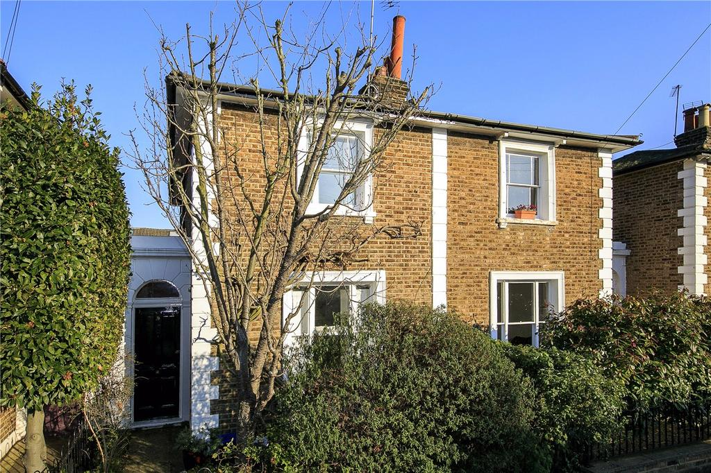 3 Bedrooms Terraced House for sale in Dunstable Road, Richmond, Surrey, TW9