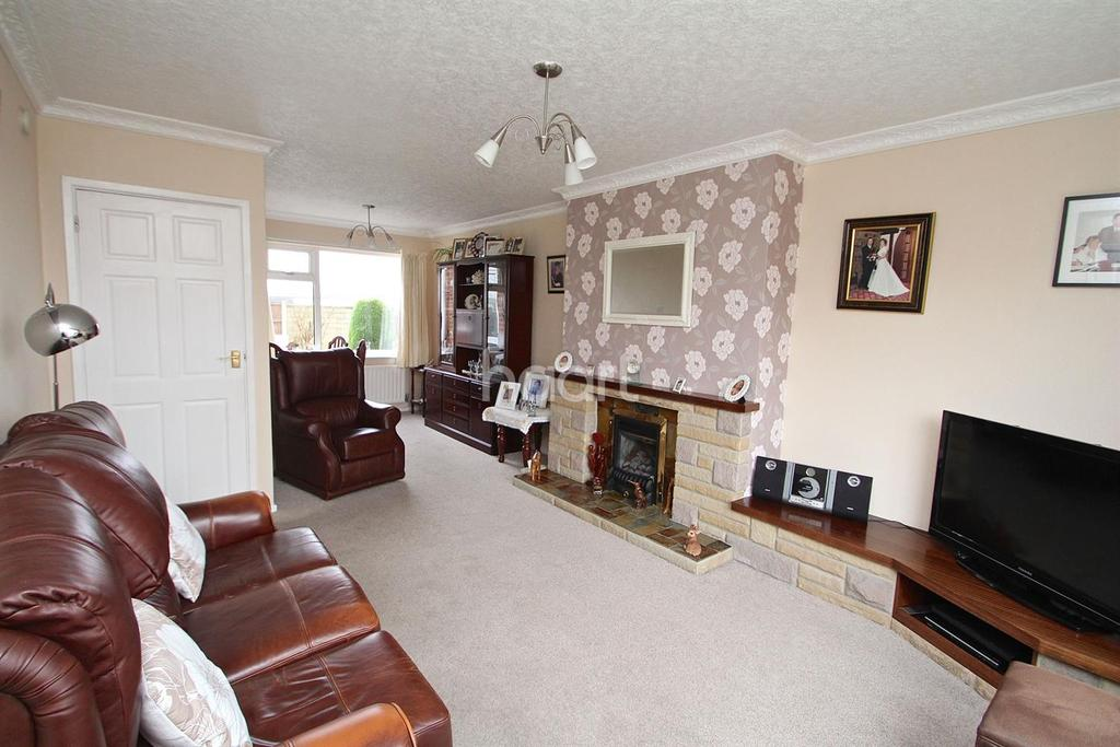 2 Bedrooms Terraced House for sale in Oakfield Road, Hucknall