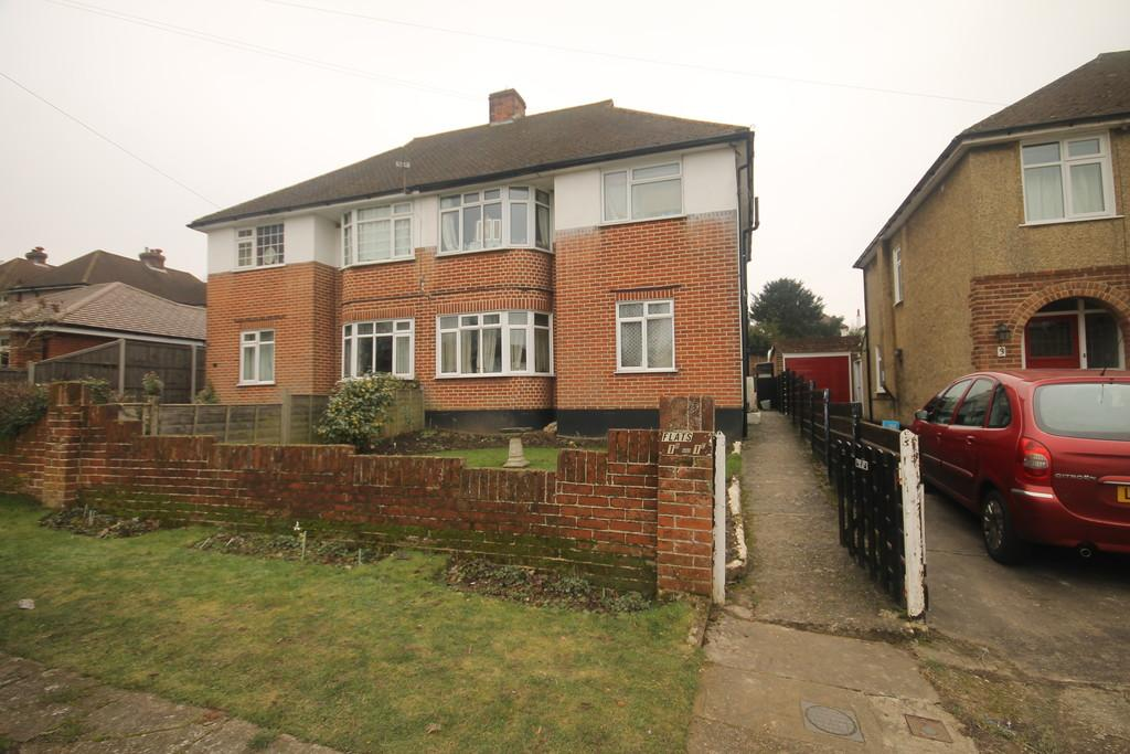 2 Bedrooms Maisonette Flat for sale in Wordsworth Road, Penenden Heath