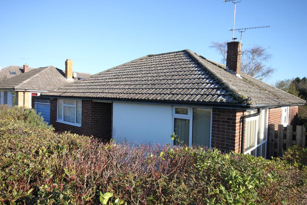 3 Bedrooms Detached Bungalow for sale in ILYNTON AVENUE, FIRSDOWN, WILTSHIRE