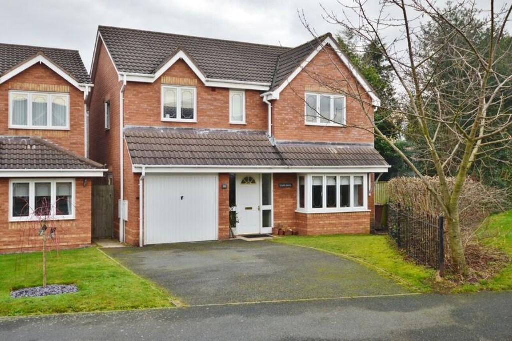 4 Bedrooms Detached House for sale in Lower Birches Way, Rugeley