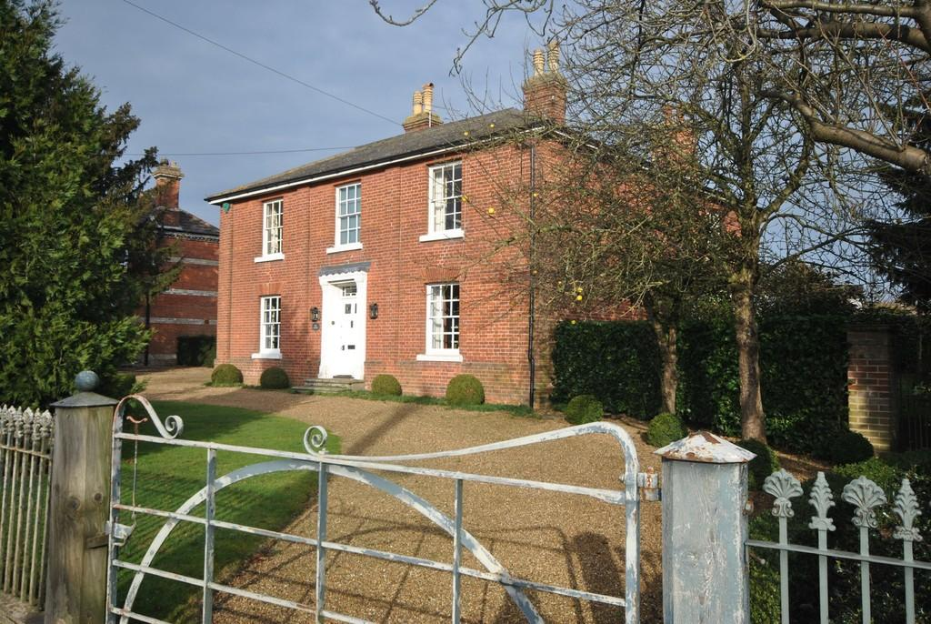 4 Bedrooms Detached House for sale in East Harling, Norfolk