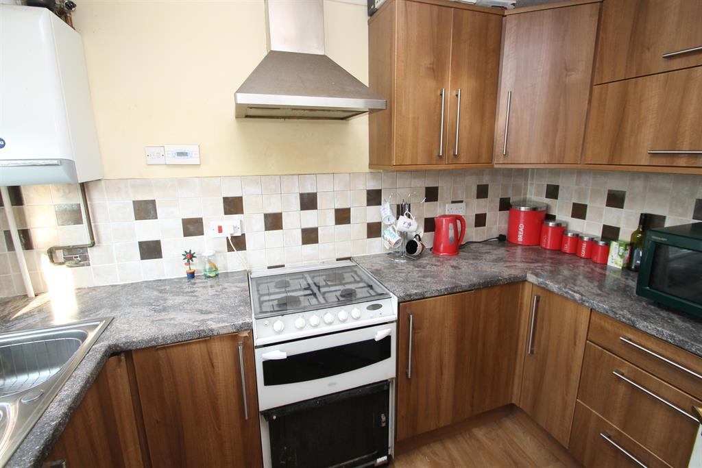 2 Bedrooms Terraced House for sale in Clive Road, Belvedere, Kent, DA17 5BZ