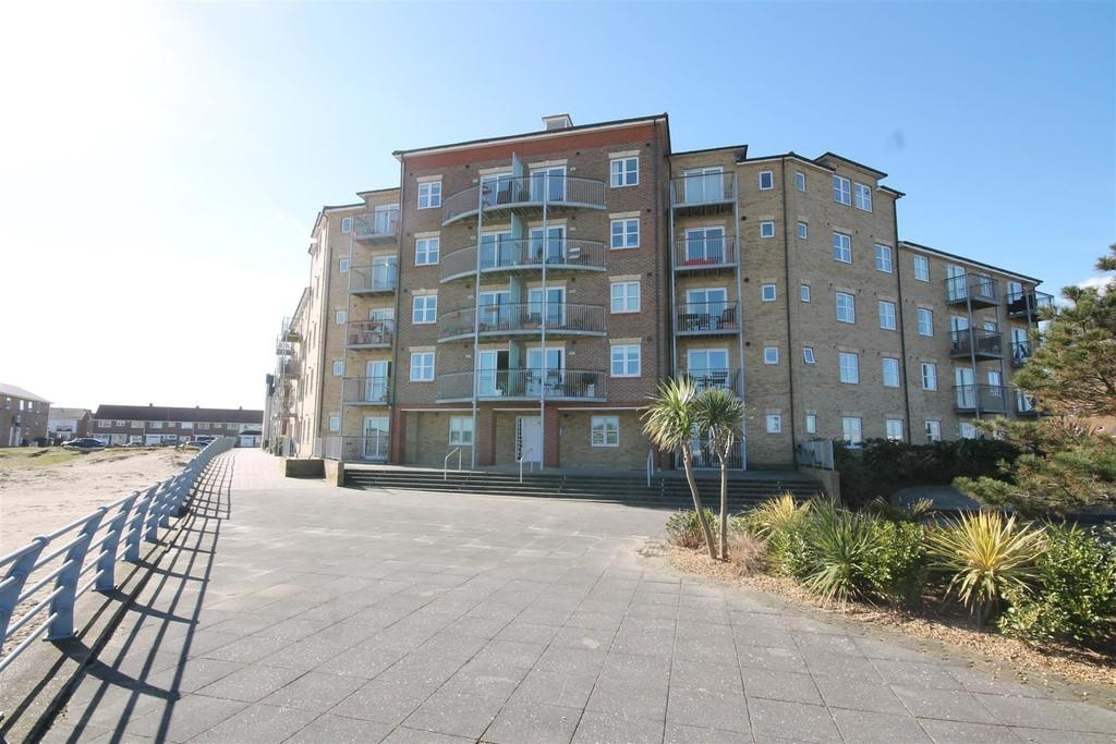 2 Bedrooms Flat for sale in Garland Point, Sussex Wharf, Shoreham-by-Sea, BN43 5PF