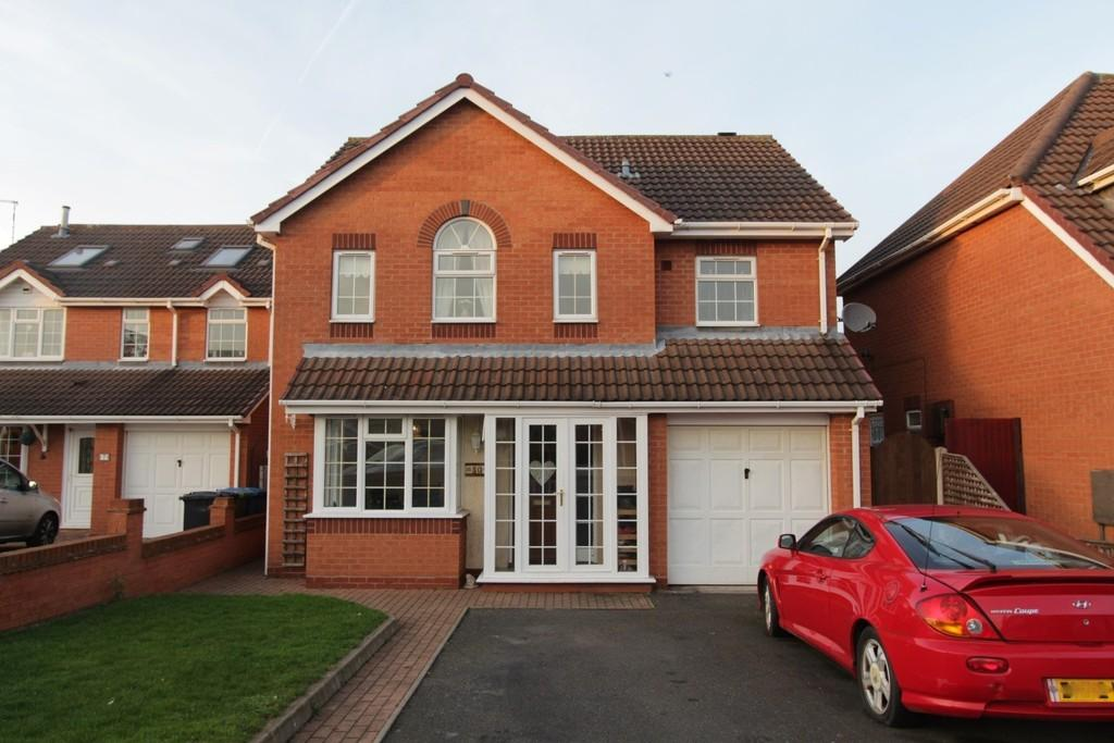 4 Bedrooms Detached House for sale in Emberton Way, Amington Fields, Tamworth