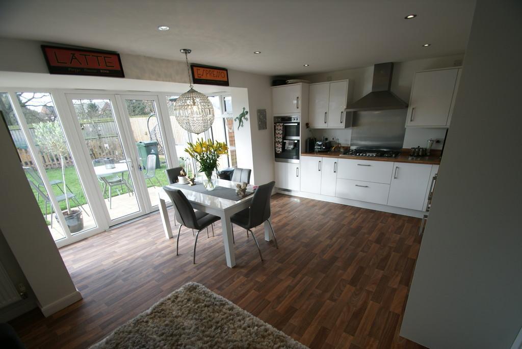 4 Bedrooms Detached House for sale in Sandhills Way, Branton, DN3 3FA