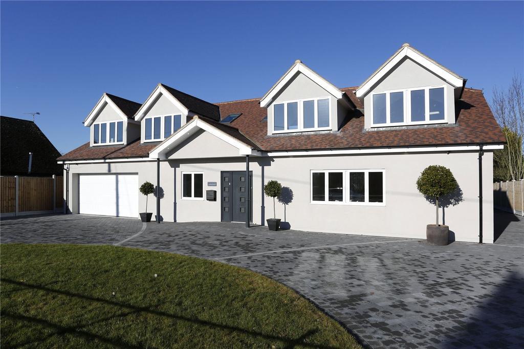 5 Bedrooms Detached House for sale in Glebe Road, Ramsden Bellhouse, Billericay, Essex, CM11