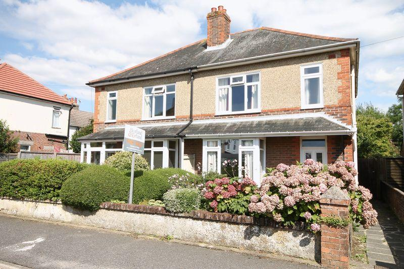 3 Bedrooms Semi Detached House for sale in Gordon Road, Southbourne