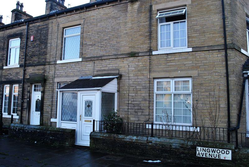 3 Bedrooms Terraced House for sale in Lingwood Avenue, Bradford, BD8 9PR