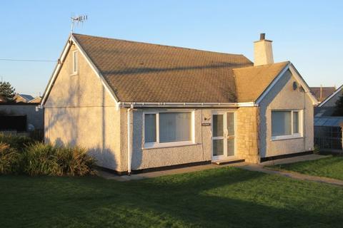 2 bedroom detached bungalow for sale - Ffordd Y Felin, Cemaes Bay