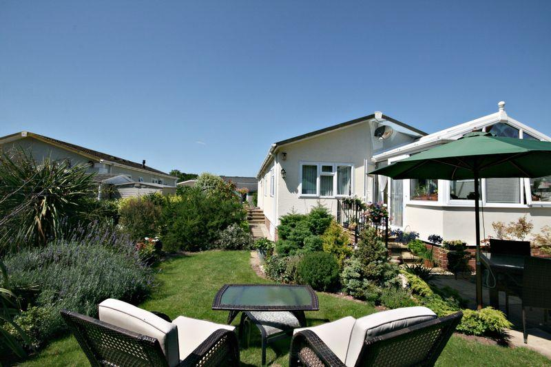 2 Bedrooms Park Home Mobile Home for sale in Chilton Park, Bridgwater
