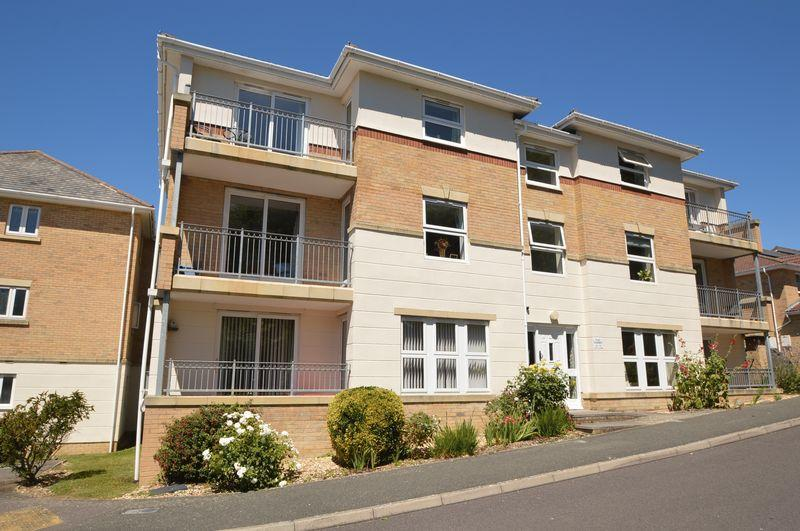 2 Bedrooms Apartment Flat for sale in EAST COWES PO32 6LG