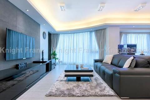 3 bedroom apartment  - King's Park Villa, King's Park Rise, Ho Man Tin, Kowloon