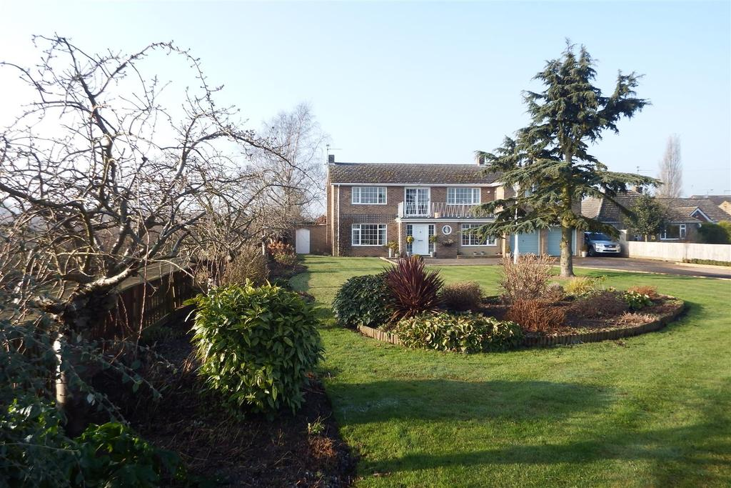 5 Bedrooms Detached House for sale in Eastgate, Whaplode