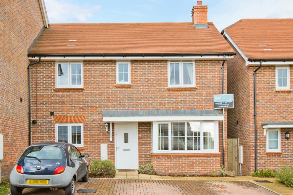 3 Bedrooms House for sale in Trubwick Avenue, Bolnore Village, RH16