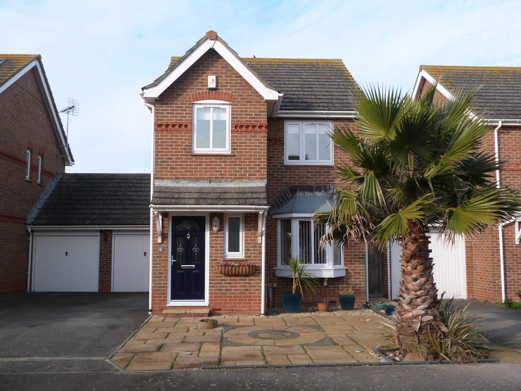 3 Bedrooms Detached House for sale in Pacific Way, Selsey