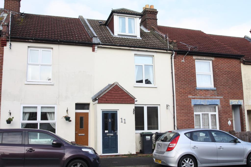 3 Bedrooms Terraced House for sale in Bucklers Road, Hardway, Gosport PO12