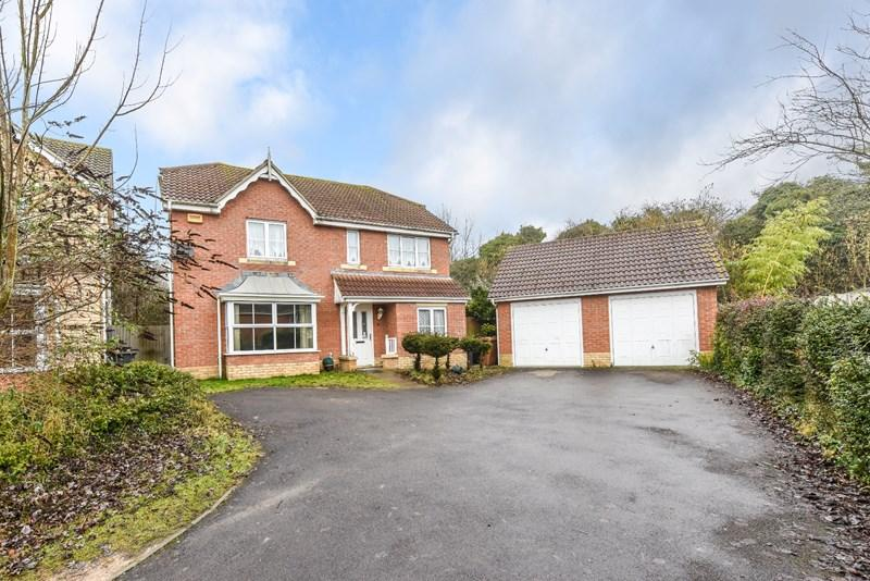 4 Bedrooms Detached House for sale in Hibiscus Crescent, Andover