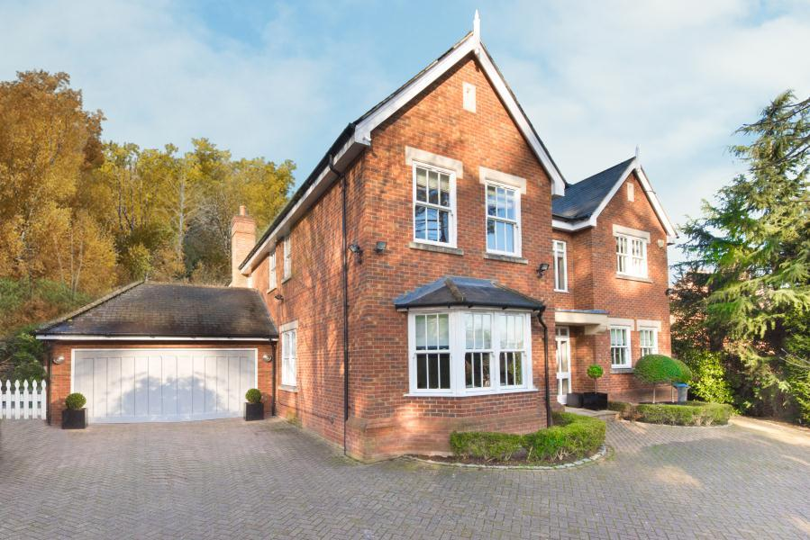 5 Bedrooms Detached House for sale in Woodview Close, London, SW15