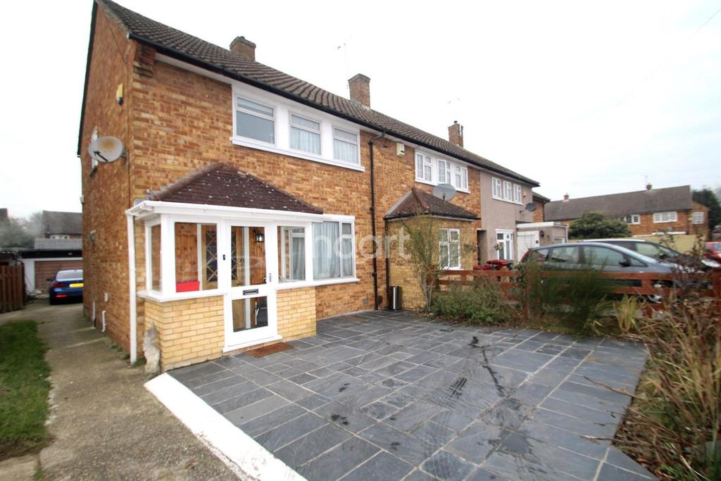 3 Bedrooms End Of Terrace House for sale in Verney Road