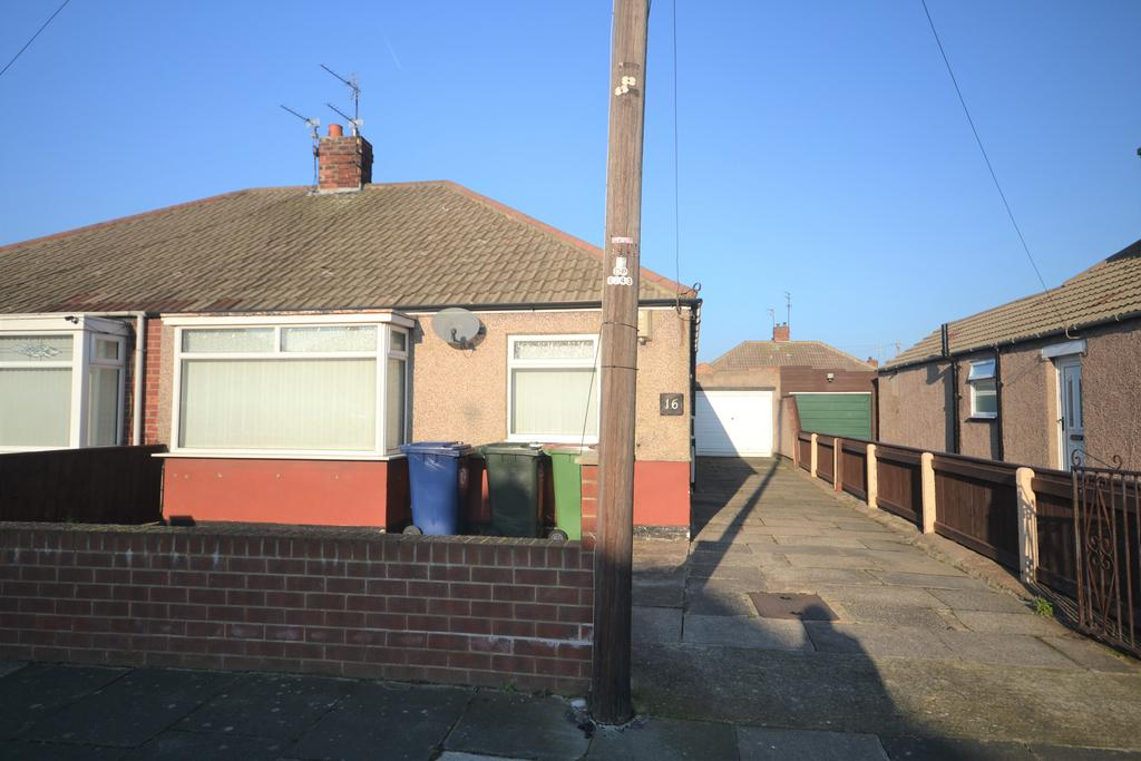 2 Bedrooms Semi Detached Bungalow for sale in Hinderwell Avenue, Redcar TS10