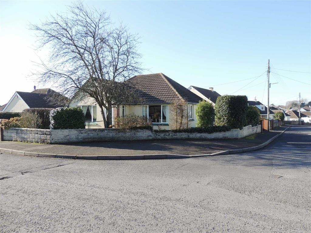 3 Bedrooms Bungalow for sale in Manor Park, Sticklepath, Barnstaple, Devon, EX31