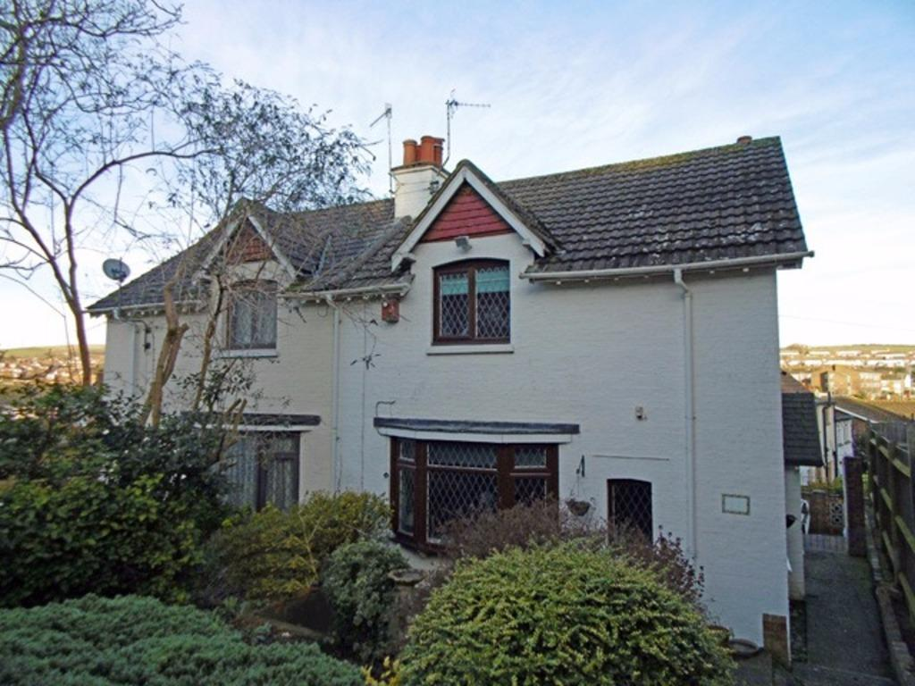 2 Bedrooms Semi Detached House for sale in Mile Oak Road Portslade East Sussex BN41