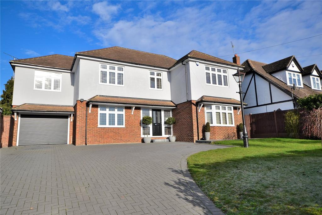 5 Bedrooms Detached House for sale in Roxwell Road, Chelmsford, Essex
