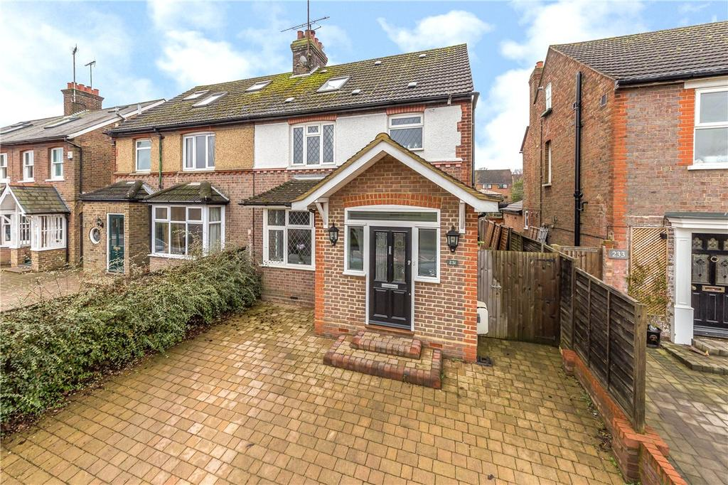 4 Bedrooms Semi Detached House for sale in Luton Road, Harpenden, Hertfordshire