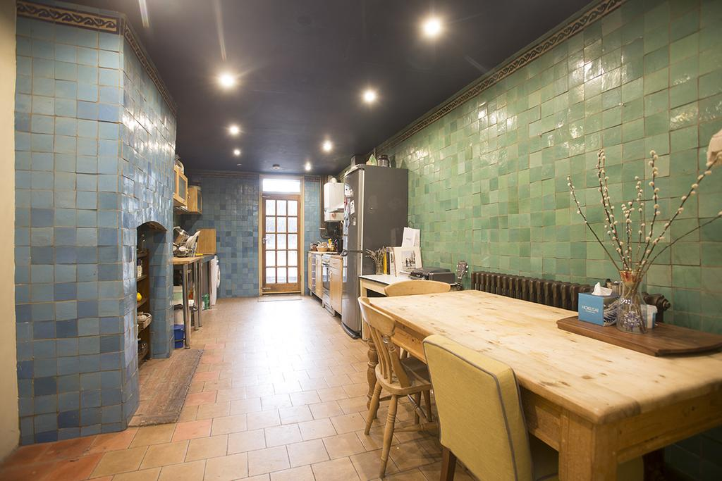 4 Bedrooms House for sale in Chatsworth Road, Hackney, London E5