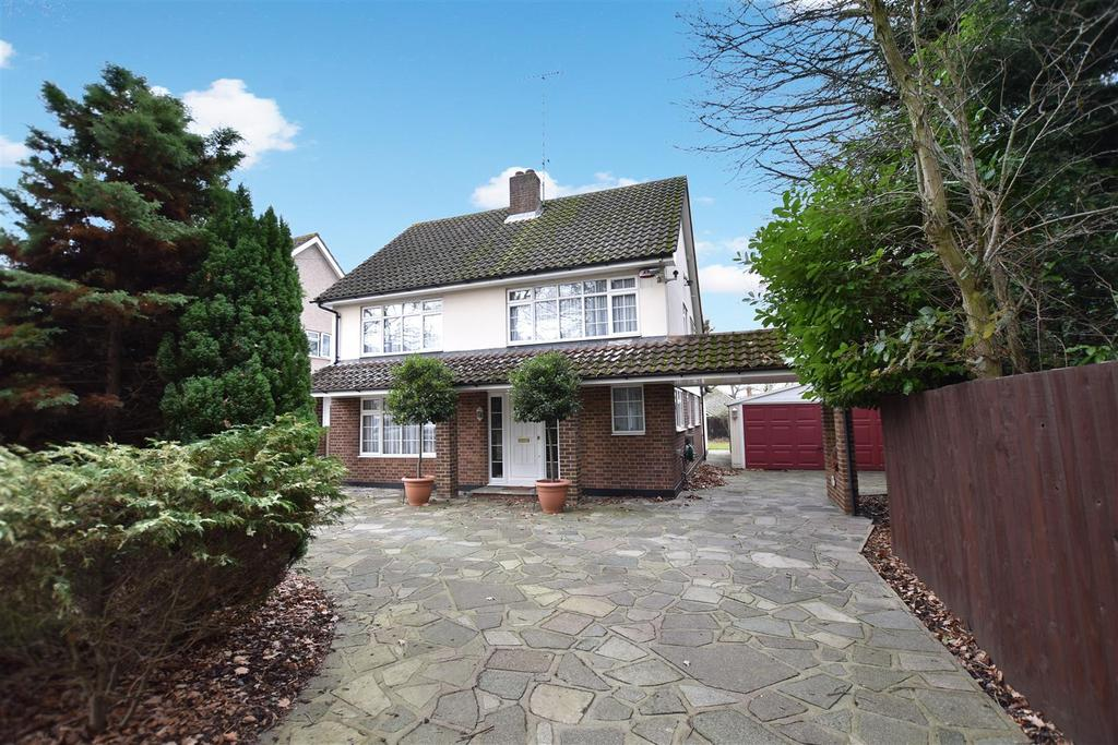 4 Bedrooms Detached House for sale in Poors Lane, Hadleigh