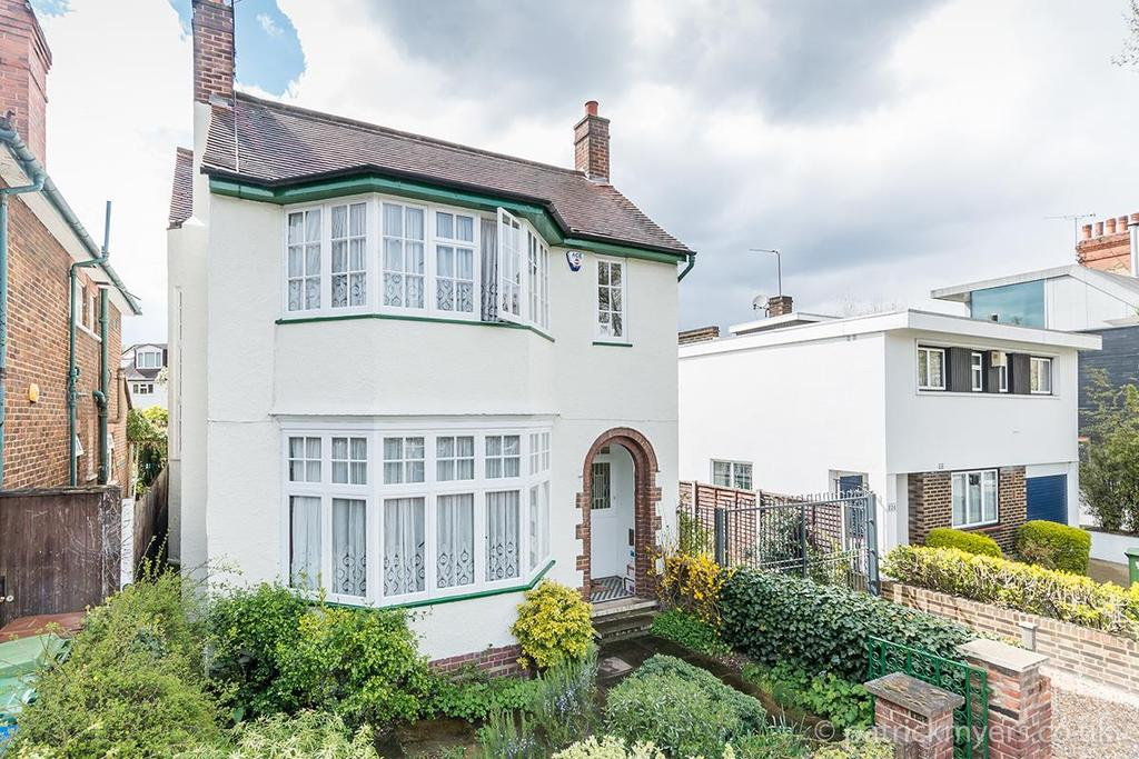 4 Bedrooms Detached House for sale in Grove Lane, London SE5