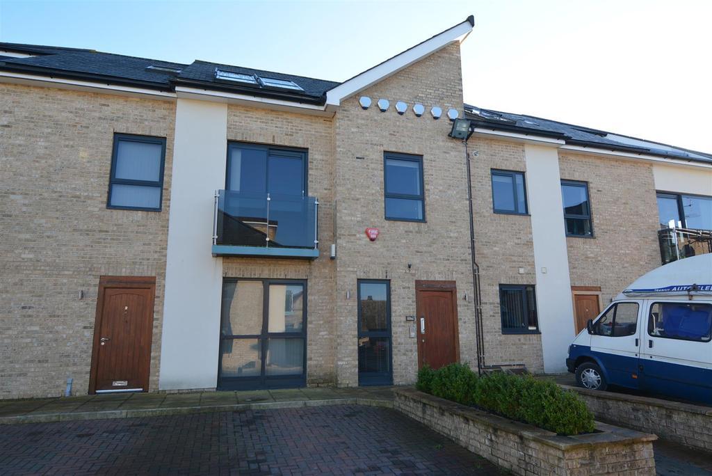 4 Bedrooms Duplex Flat for sale in Park Square, Batter Lane, Rawdon