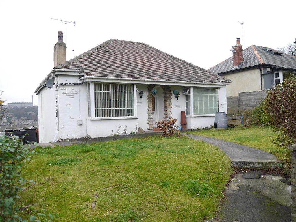 3 Bedrooms Detached House for sale in Kings Road, Bradford. BD2 1DY