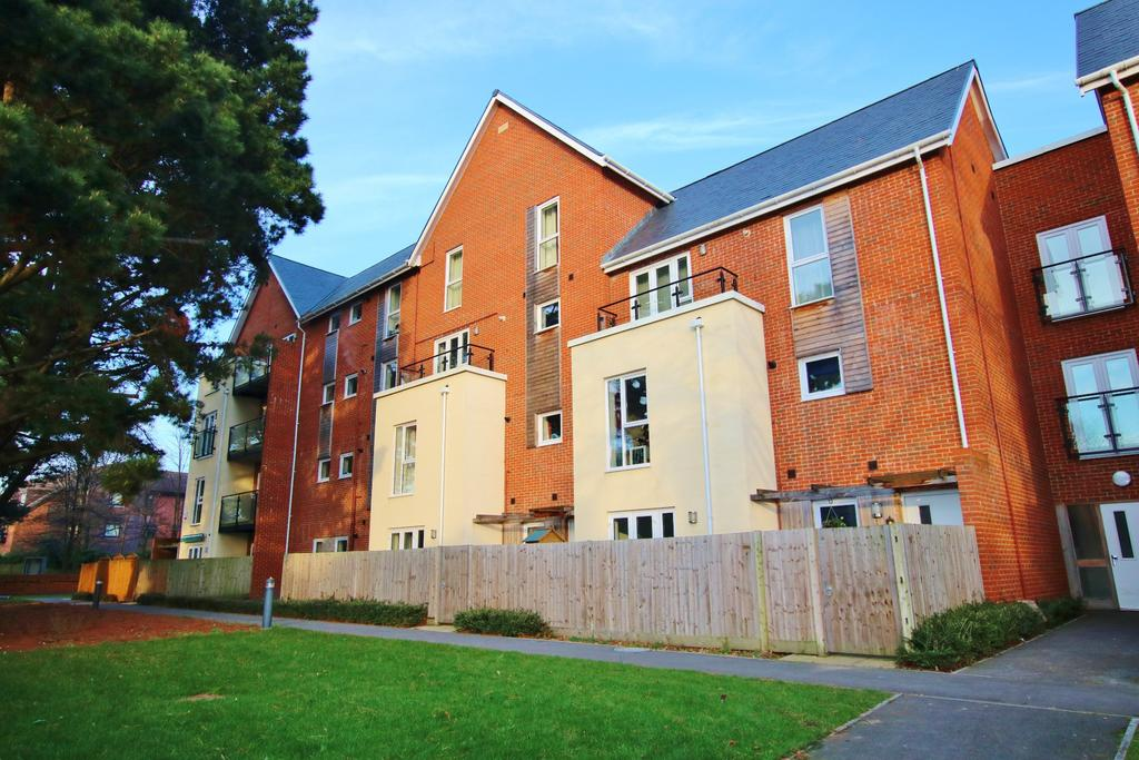 3 Bedrooms Maisonette Flat for sale in Southampton