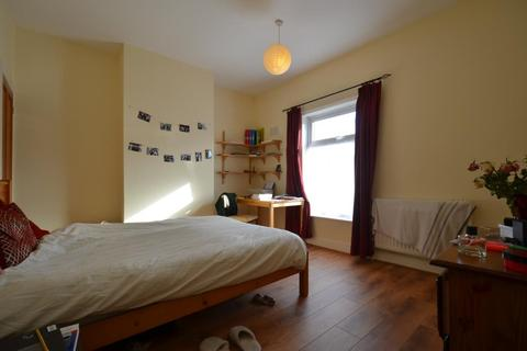 4 bedroom house to rent - Delightful 4 Double Bedroom Student House with character, Milner Road, Selly Oak, 2017 - 2018