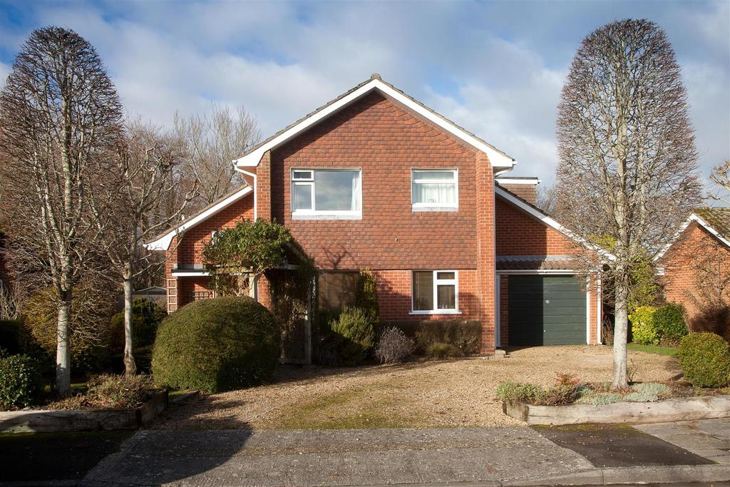 4 Bedrooms Detached House for sale in St. Lawrence Close, Stratford Sub Castle, Salisbury