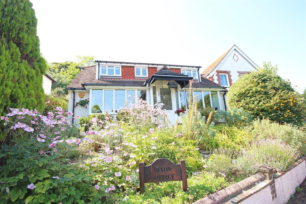 3 Bedrooms Detached Bungalow for sale in Withdean Court Avenue, Withdean, Brighton
