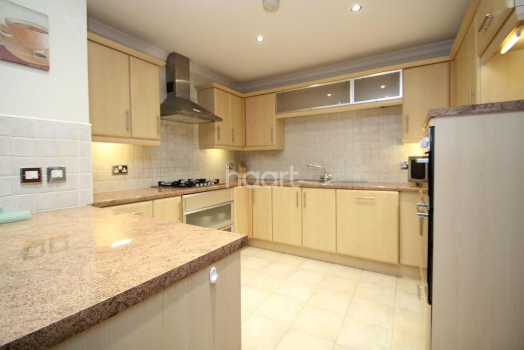 2 Bedrooms Flat for sale in Marine Point Apartments, Burton Waters