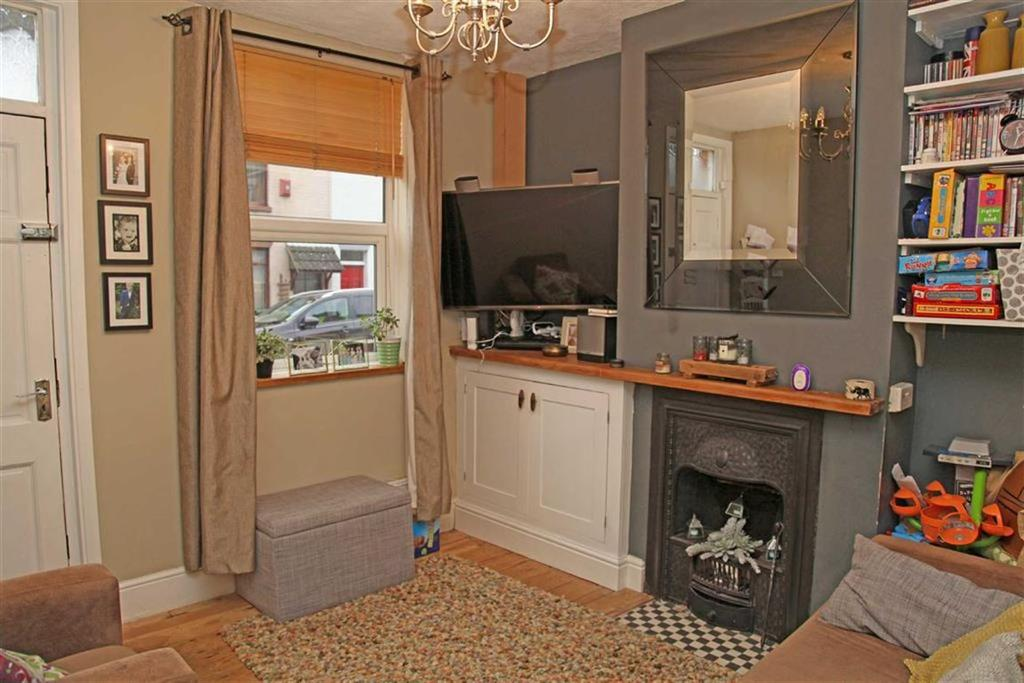 2 Bedrooms Terraced House for sale in Highfield Street, Market Harborough