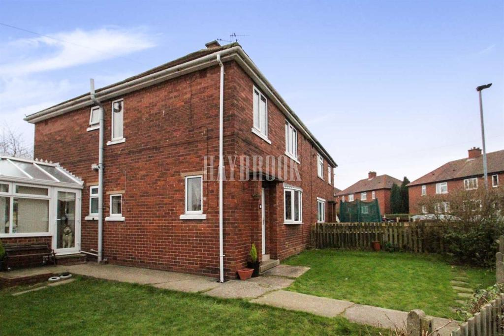 4 Bedrooms Semi Detached House for sale in Kirk Cross Crescent, Royston