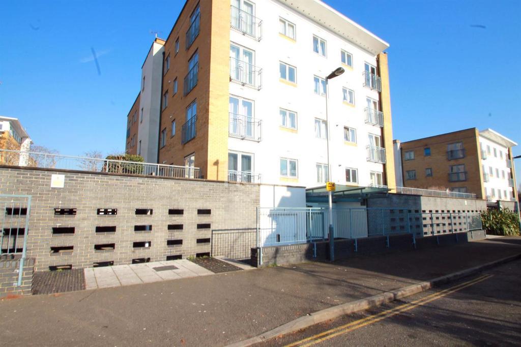 1 Bedroom Flat for sale in Northolt