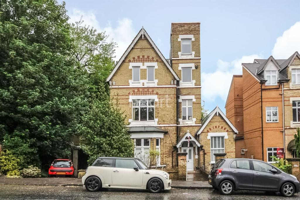 3 Bedrooms Flat for sale in Crystal Palace Park Road, Crystal Palace, SE19