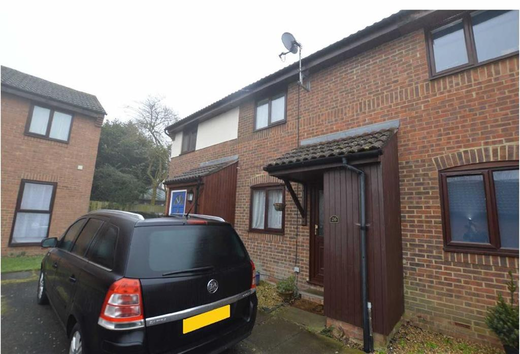 2 Bedrooms Terraced House for sale in Alderfield Close, Theale, Reading
